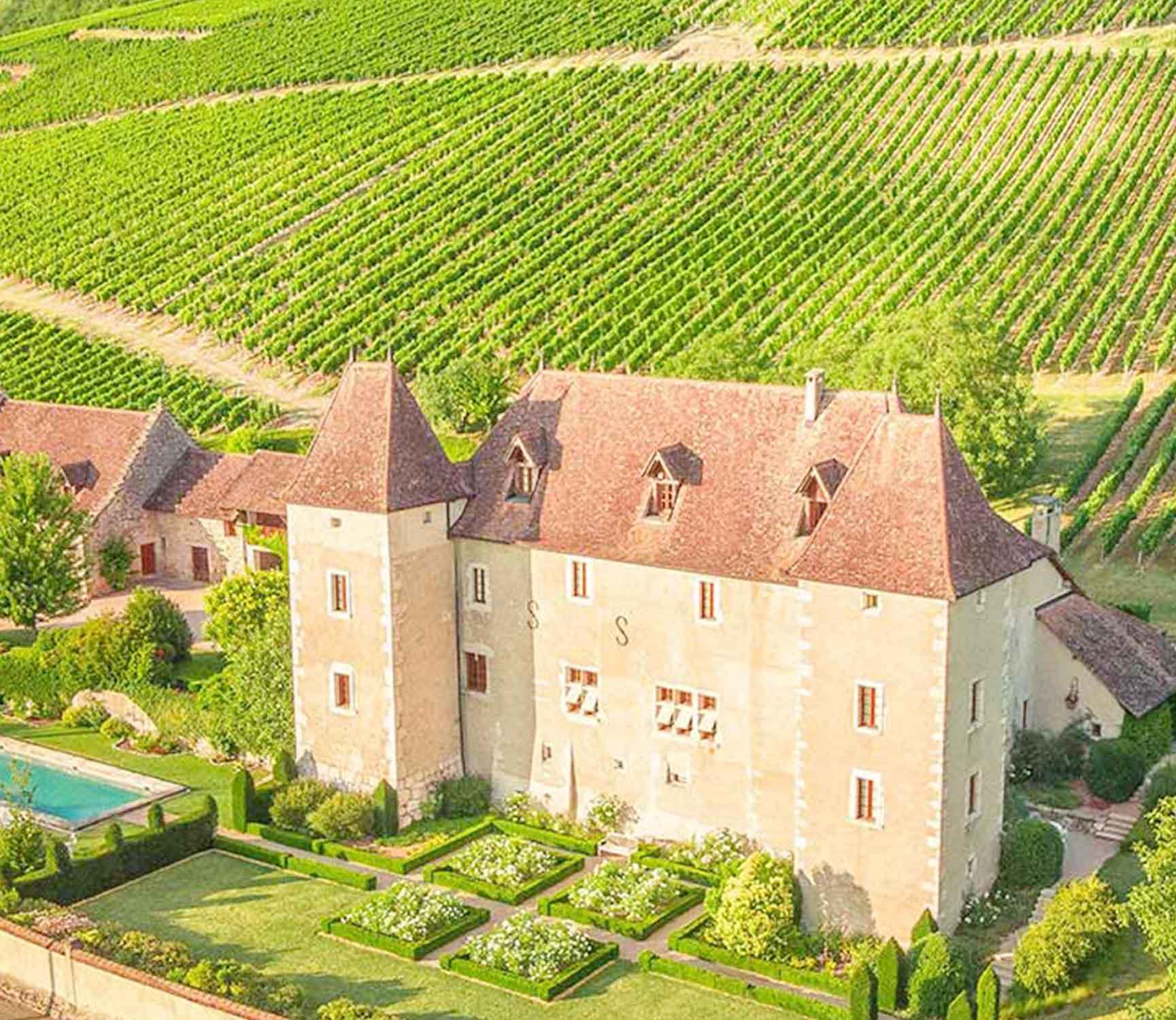 Vue drone du Chateau de La Mar et de ses vignes