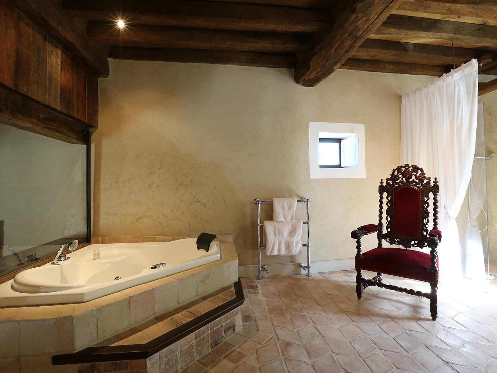 Salle de bains La Chapelle du château de La Mar Savoie